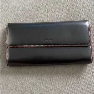 LODIS TRIFOLD LEATHER WALLET /ID WINDOW